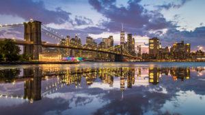 Lower Manhattan und Brooklyn Bridge, New York City
