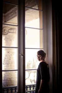 Junge Frau am Fenster,