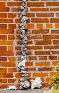 Chain of flints on a wall, decoration