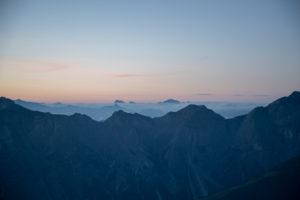 Sonnenaufgang im Stubaital, Stubaier Alpen, Tirol, Österreich