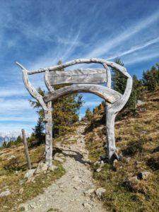 Startportal des Zirbenweg am Patscherkofel