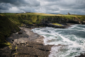 Mullaghmore Head, Blick auf Classiebawn Castle, Irland