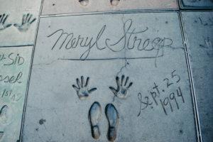 USA, Kalifornien, Los Angeles, Hollywood Boulevard, weltberühmte Hand- und Schuhabdrücke von Meryl Streep  beim Grauman's Chinese Theatre