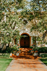 USA, California, Los Angeles, drive through Beverly Hills, autumnally decorated entrance area of a villa