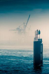Deutschland, Hamburg, Elbe, Hafen, Nebel