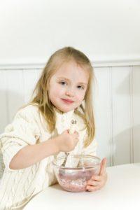 Kitchen, girl, baking-ingredients, mixes, cheerfully, series, people, child, bowl, ingredients, sugar, jam, scrambles, bakes, cooking, joy, pride, independence, interior,