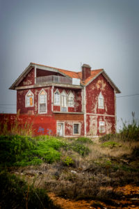 Europe, Portugal, Atlantic coast, Estremadura, Centro region, Peniche, old house with red facade