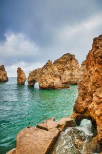 Europe, Portugal, Algarve, Litoral, Barlavento, Felsalgarve, District Faro, Lagos, Ponta da Piedade, lagoon with jetty, portrait format