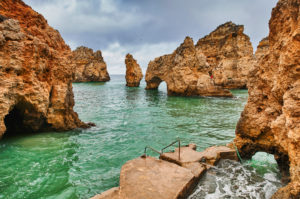 Europe, Portugal, Algarve, Litoral, Barlavento, Felsalgarve, Faro District, Lagos, Ponta da Piedade, lagoon with jetty