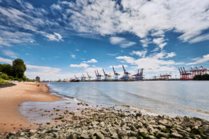 Germany, Northern Germany, Hamburg, Altona, port city, sea customs port, Elbe, Elbe beach at Övelgönne, Othmarschen, sandy beach, container terminal Burchardkai, view, expanse
