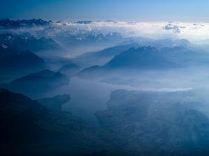 Vierwaldstättersee und Schweizer Alpen aus der Vogelperspektive
