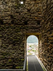 Ruine des Restiturmes in Meiringen im Berner Oberland