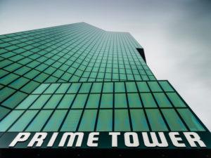 Prime Tower in Zürich mit Wolkenstimmung