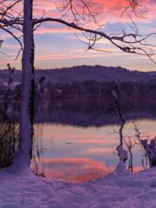 Sonnenaufgang am Pfäffikersee im Winter