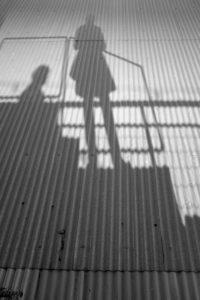 Silhouette auf dem Dach der LX Factory