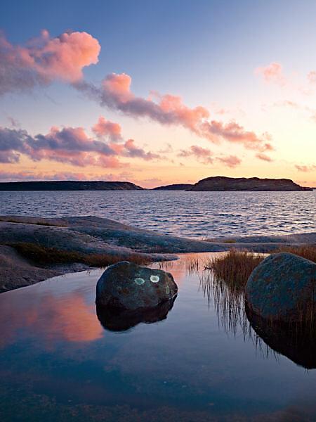 Schweden, Bohus, Westküste, Kattegat, Abendstimmung an der Granitküste von Sör Koster