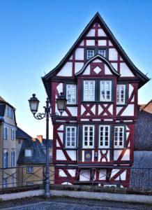Europe, Germany, Hesse, Lahn-Dill-Kreis, Lahn-Dill-Bergland, Wetzlar, old town with half-timbered houses on the Kornmarkt