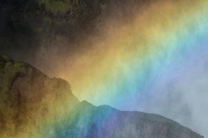 Island, Skógar, Regenbogen in der Gischt des Skógafoss, Detail,