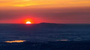 Hoher Peißenberg und untergehende Sonne