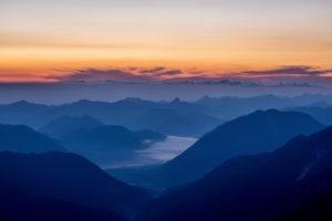 Berge vor Sonnenaufgang