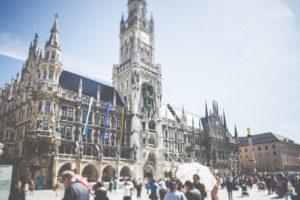 Stadtansicht - das weltberühmte Münchner Rathaus.