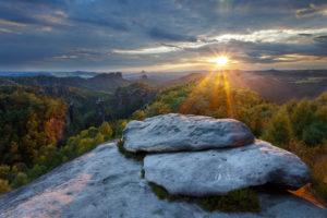Sonnenuntergang, Wald, Carolafelsen, Nationalpark, Sächsische Schweiz, Sachsen, Deutschland