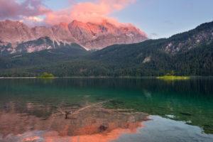 Sommer, Insel, Bucht, Eibsee, Zugspitze, Garmisch-Patenkirchen, Bayern, Deutschland, Europa