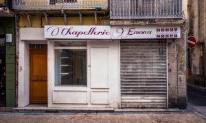 Aufgegebener Hutladen in Narbonne