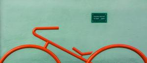 Fahrradständer mit Schild in München