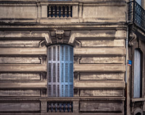 Blue shutter in Narbonne