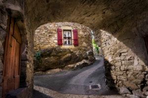 Le Pin bei Vieussan. Liegt im Regionalen Naturpark Haut-Languedoc.