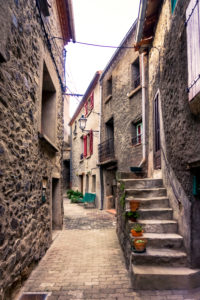 Alley in Campôme