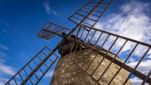 Alte Weizenmühle aus Stein bei Nissan lez Enserune. Wurde im XVII Jahrhundert erbaut und im XIX Jahrhundert aufgegeben.