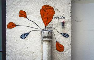 Graffiti im Viertel Croix-Rousse in Lyon im Herbst. Seit 1998 Weltkulturerbe der Unesco. Ehemalige Hochburg der industriellen Seidenweberei.