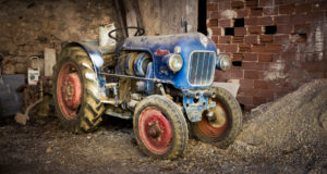 Old Eicher tractor for viticulture in Assignan