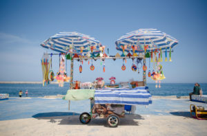 Verkaufsstand am Strand von Palermo, Sizilien