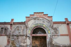 Hausfassade in der spanischen Exklave Melilla,