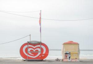 Verkaufsstände am Strand von Porto