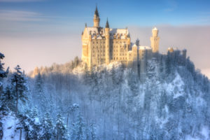 Germany, Bavaria, Schwangau, Neuschwanstein Castle in winter
