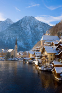 Austria, Salzkammergut, Gmunden, Hallstat, View of the town in Winter