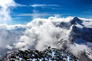 2 climbers, summit rise, Hoher Riffler, Hintertux, Zillertal Alps, Austria