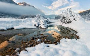 Isartal, Flusslandschaft, Wintermorgen, Vorderriß, Wallgau, Schnee, Sonnenaufgang, Isar, Oberbayern, Werdenfels, Deutschland