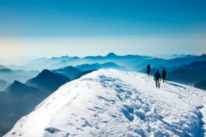 3 Bergsteiger auf der Vincentpyramide, Monte Rosa, Italien,