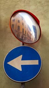Haus, Verkehrsspiegelung, Verkehrsspiegel, Pisa, Toskana, Italien