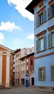 House, alley, Pisa, Tuscany, Italy
