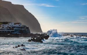 Atlantik bei Porto Moniz, Madeira, Portugal