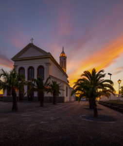 Die neoklassische Kirche 'Igreja de São Martinho' liegt auf dem höchsten Punkt des Stadtteils São Martinho im Westen von Funchal, Madeira,Portugal