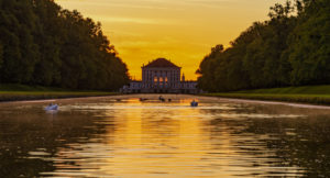 Schloss Nymphenburg, Mittelkanal, Sonnenaufgang, München, Bayern, Deutschland