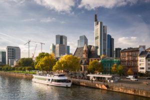 Deutschland, Frankfurt am Main, Stadtbild im Herbst