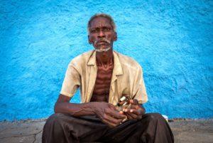Cuba, Havanna, old man in Santi Spiriti